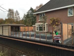 Kunststof walbeschoeiing en tuinaanleg Heerenveen.
